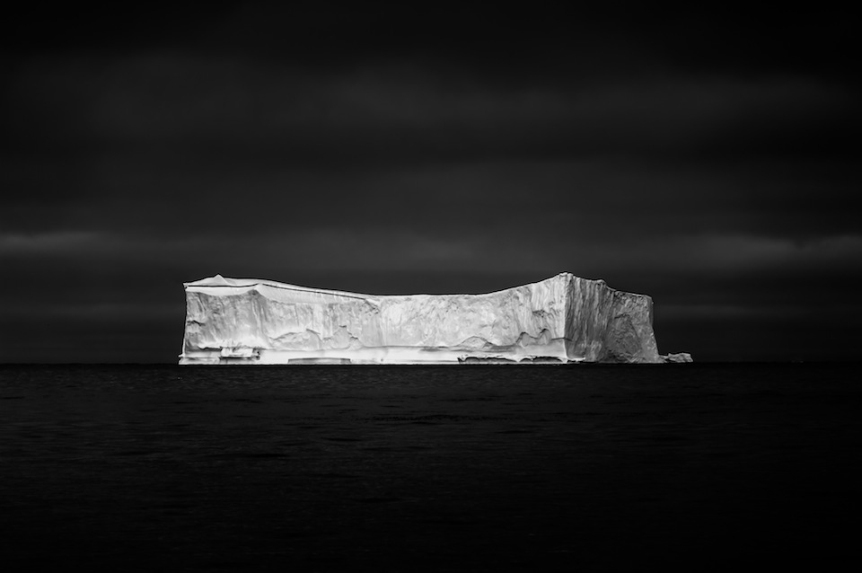 northlandscapes-ice-on-black-01